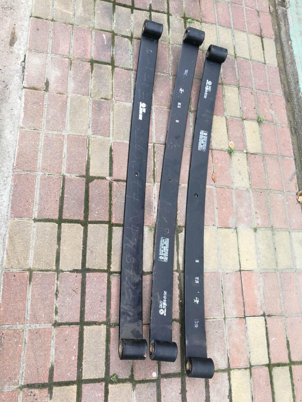 东风多利卡D9前后钢板第一片